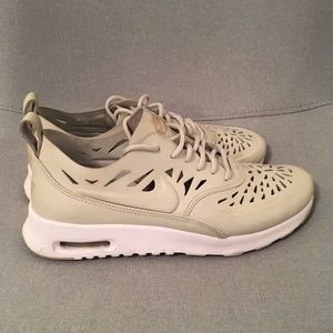 Nike Air Max Thea Leather - Bone / Light Gray
